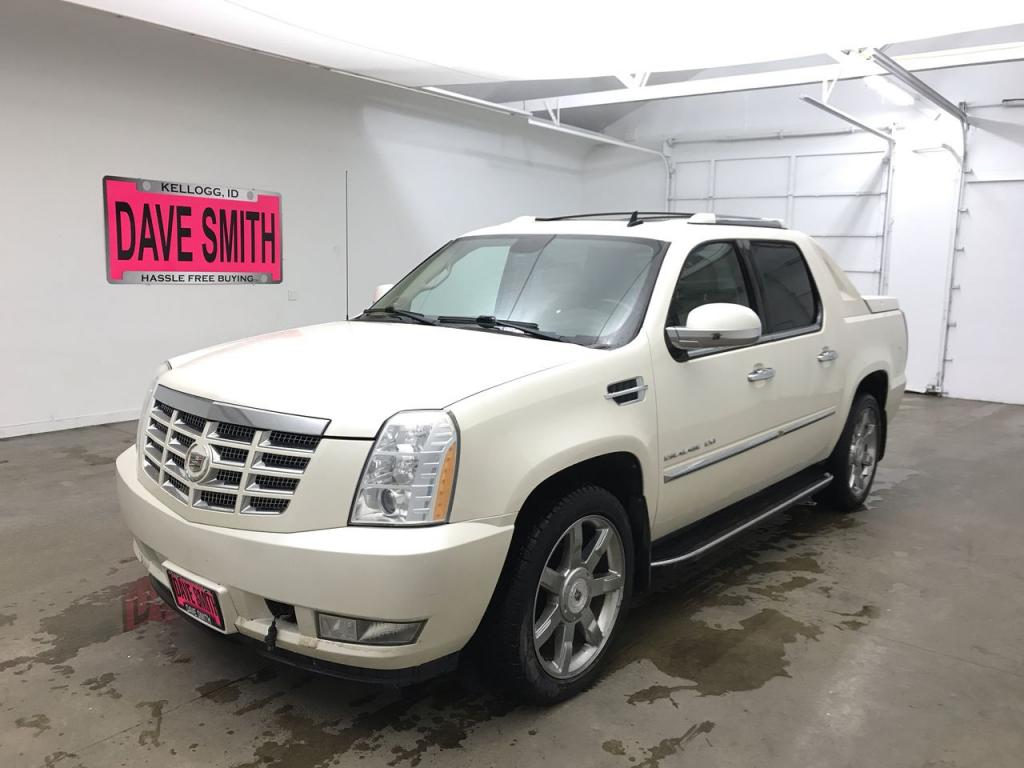 Pre-Owned 2010 Cadillac Escalade EXT Luxury