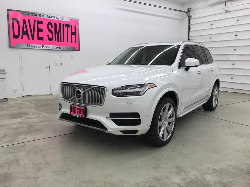 Pre-Owned 2017 Volvo XC90 T8; 7-seat Inscription