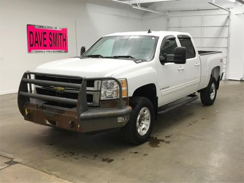 Pre-Owned 2009 Chevrolet Silverado 2500 LTZ Crew Cab Long Box