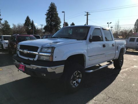 Pre-Owned 2005 Chevrolet Silverado 1500 Z71 Crew Cab Short Box