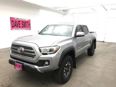 Pre-Owned 2017 Toyota Tacoma TRD Crew Cab Short Box