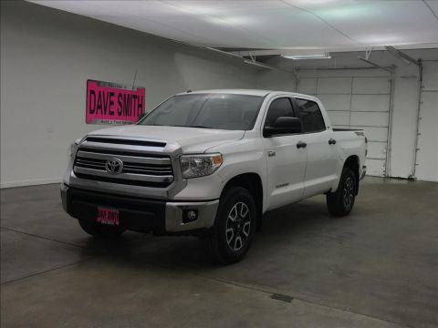 Pre-Owned 2016 Toyota Tundra SR5 CrewMax Short Box
